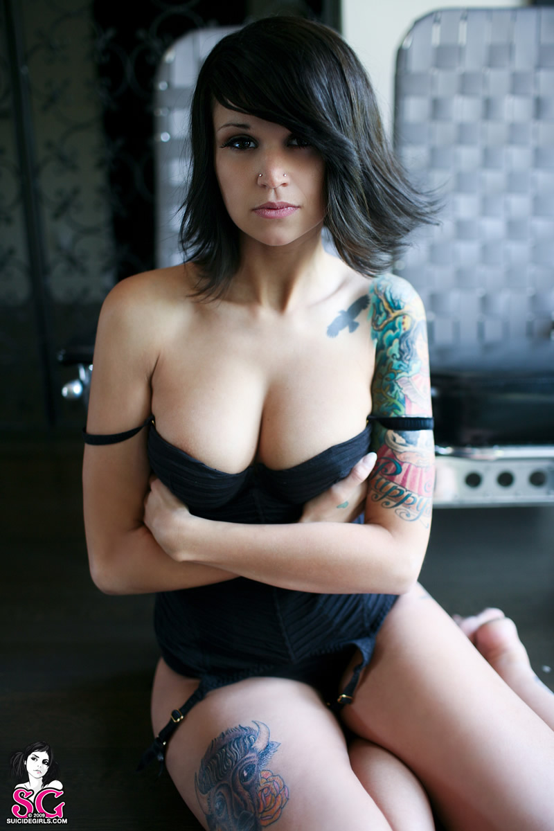 Teen-Shaved-Brunette-Babe-with-Big-Tits-from-SuicideGirls-Wearing-Stockings-23