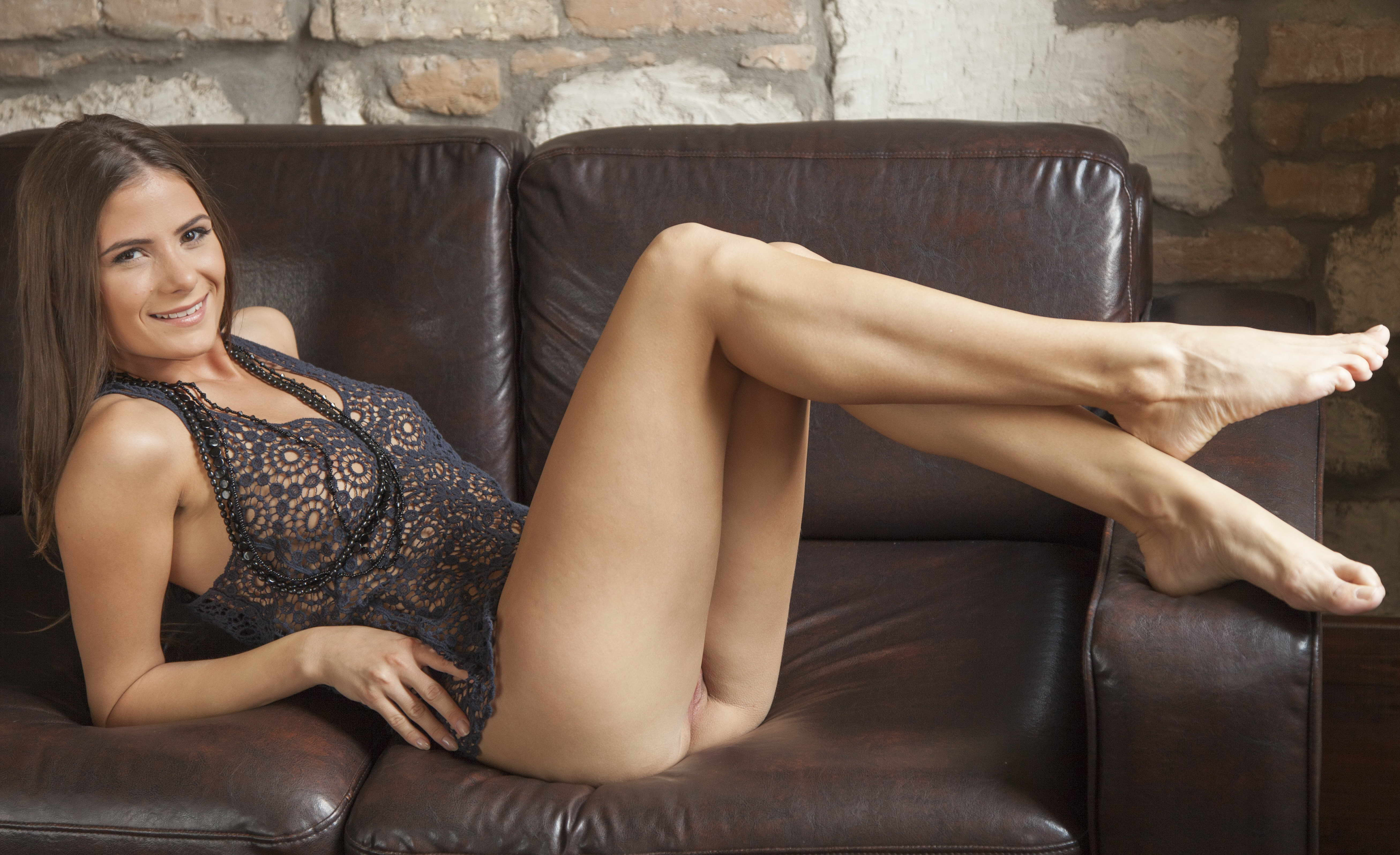 Classy Lady - Naked And Teasing